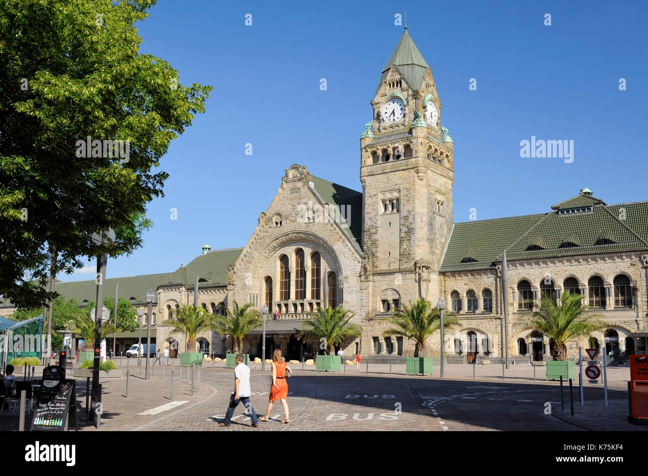France, Moselle, Metz, railway Station of Metz-ville inaugurated in 1908 and elected in 2017 most beautiful railway station of France by Internet users following a competition organized on Facebook by Gares & Connexions - Stock Image