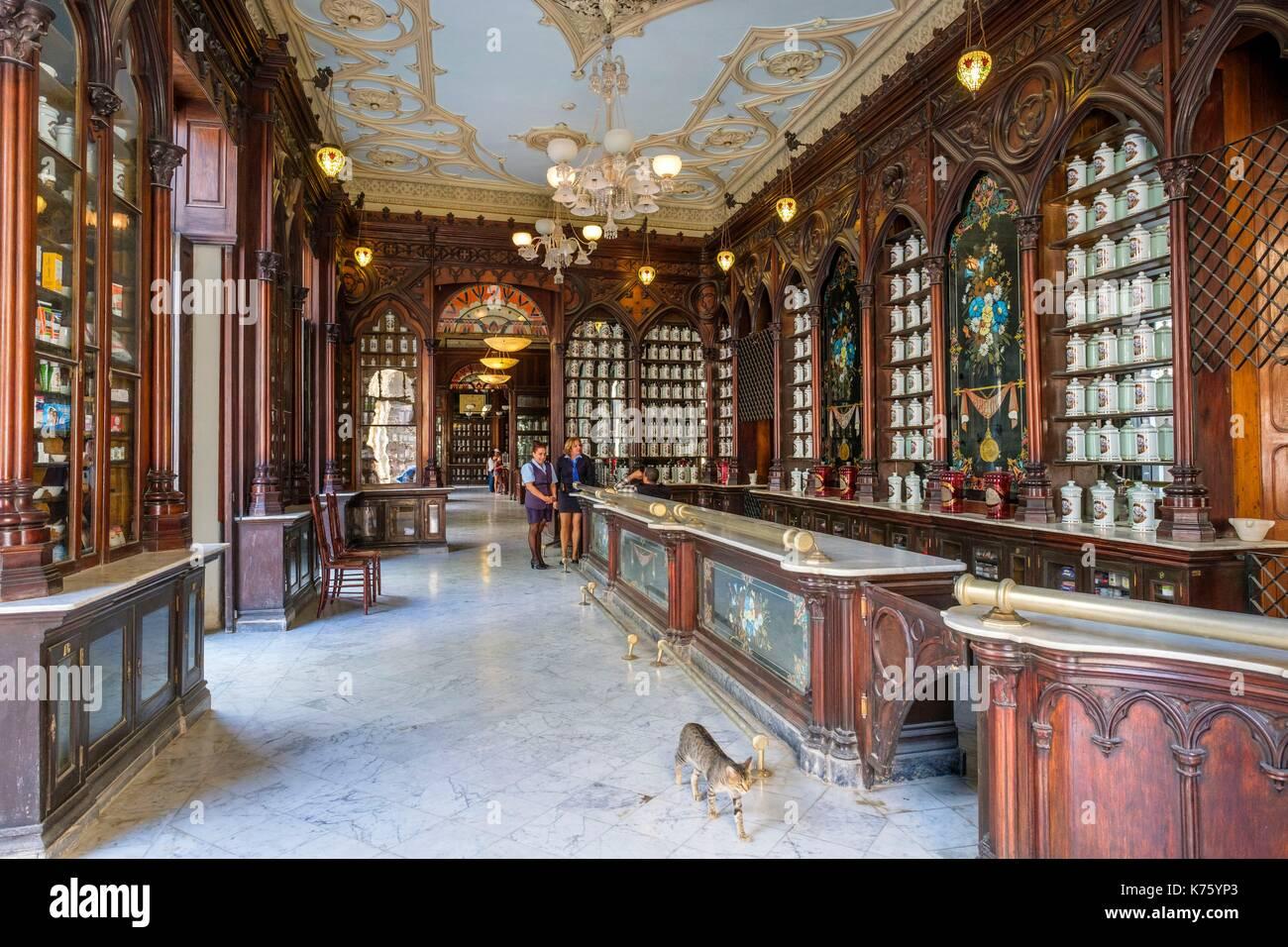 Cuba, Havana, Habana Vieja district (UNESCO World Heritage site), calle Teniente Rey (Brasil), La Reunion pharmacy-museum - Stock Image