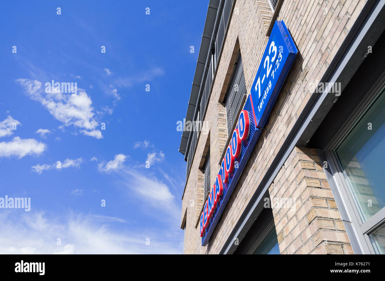 REMA 1000 sign at branch. REMA 1000 is a Norwegian no-frills supermarket chain with businesses in Norway and Denmark. Stock Photo