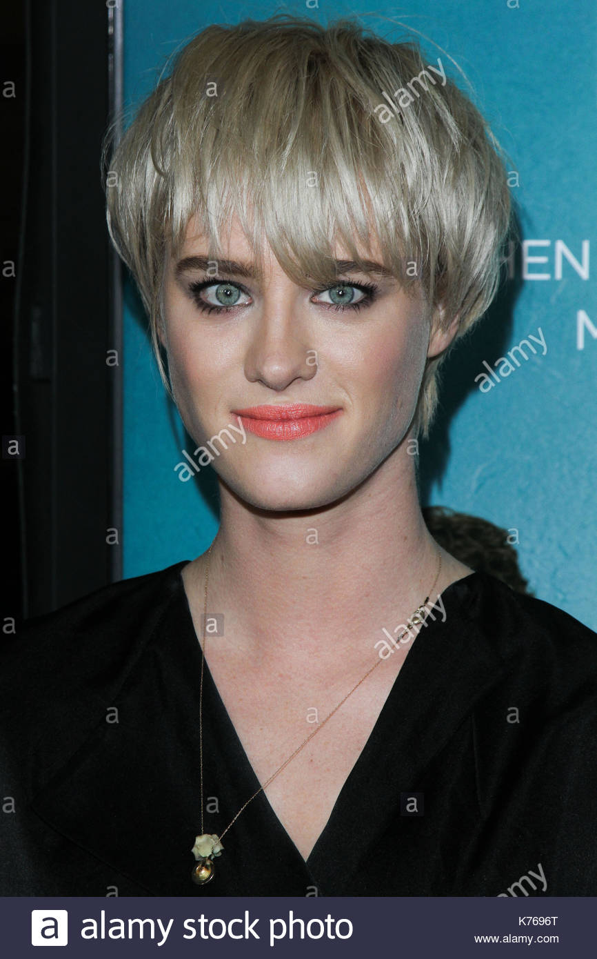 mackenzie davis los angeles premiere of focus features that