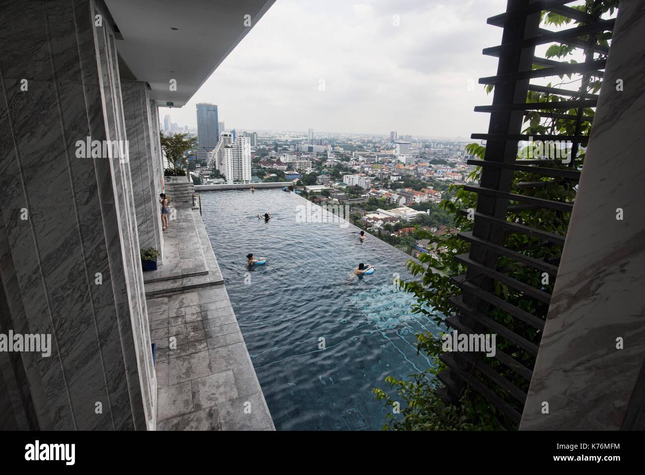 Infinity edge swimming pool, Bangkok, Thailand Stock Photo ...