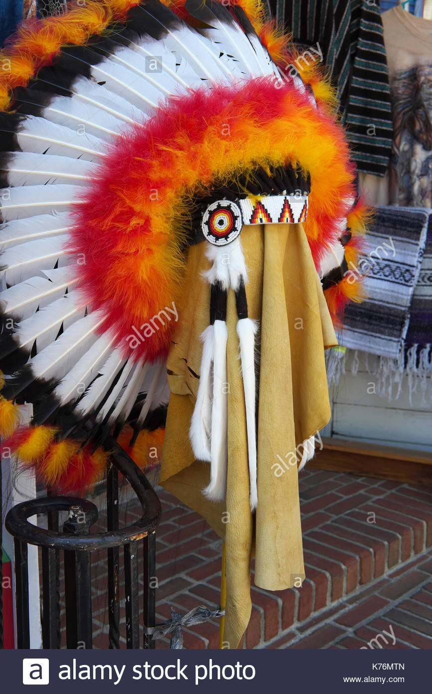 Native American ceremonial headdress on display. - Stock Image