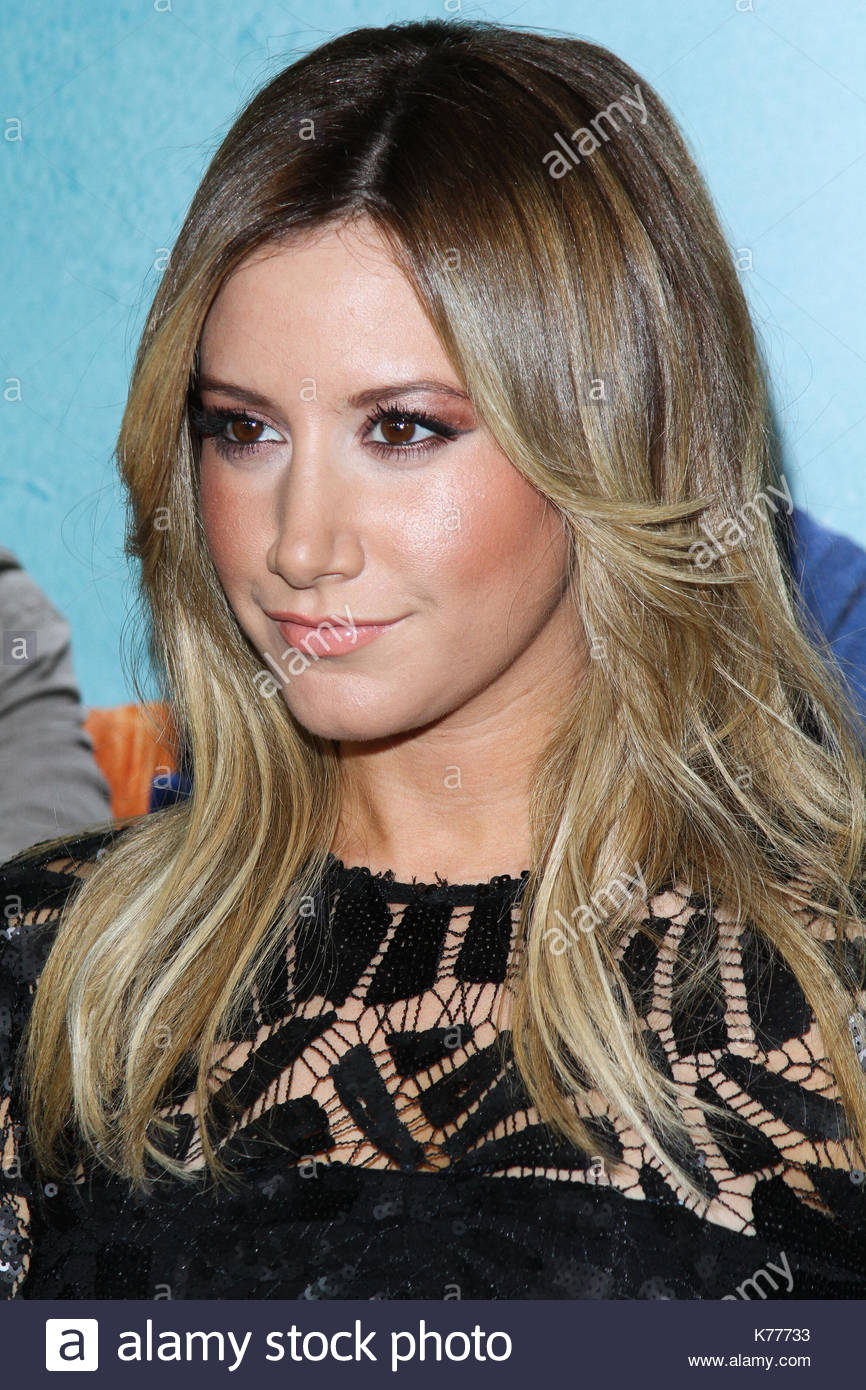 ashley tisdale los angeles premiere of focus features that akward
