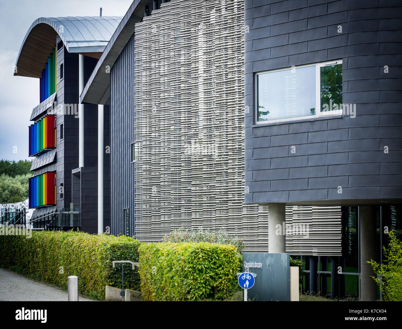 Physics of Medicine Building - University of Cambridge Cavendish Laboratory on the West Cambridge Site. Maxwell centre in the background. - Stock Image