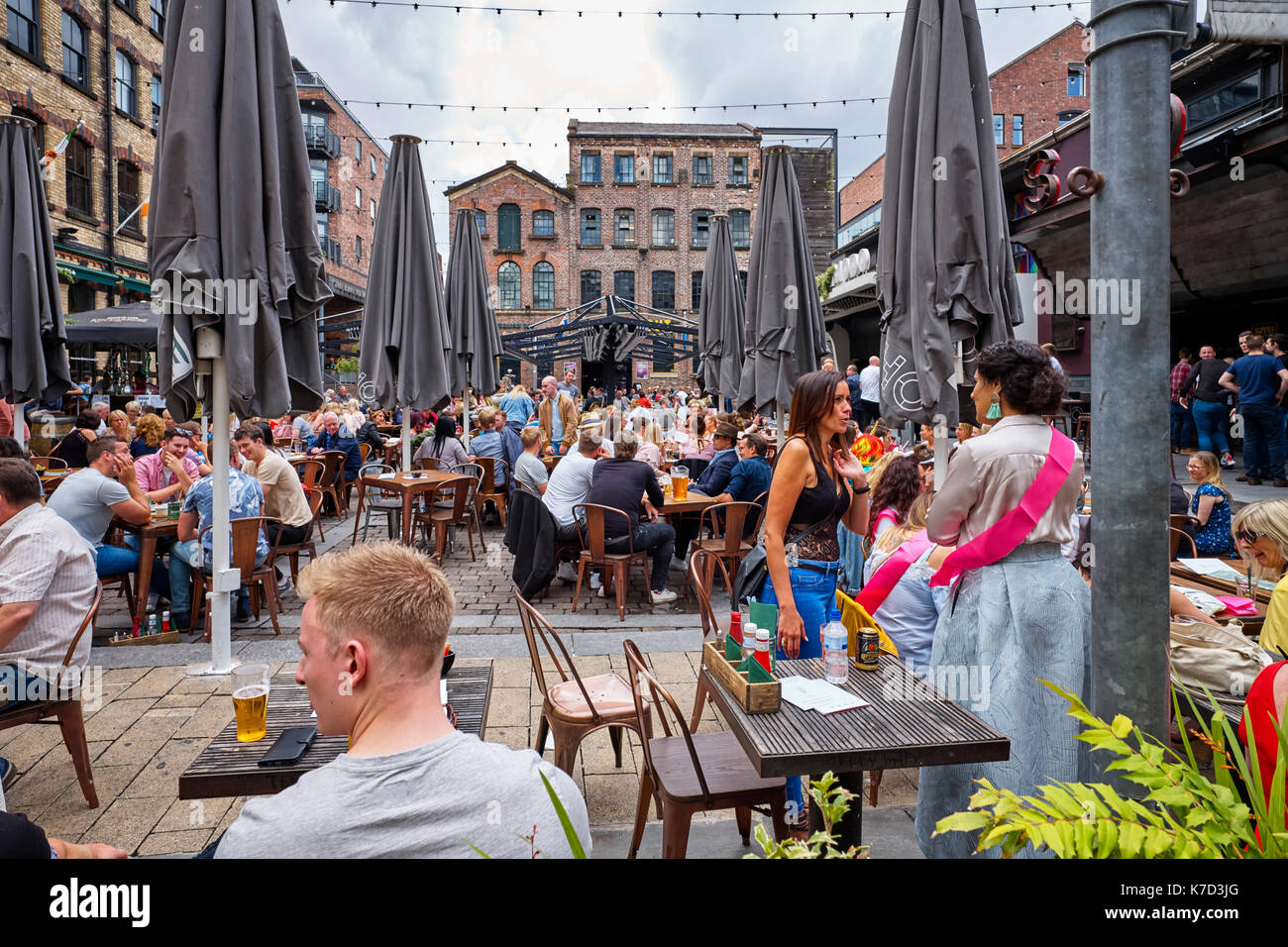 Drinkers on a Saturday afternoon in Soho bar in Bold Street area, Liverpool - Stock Image