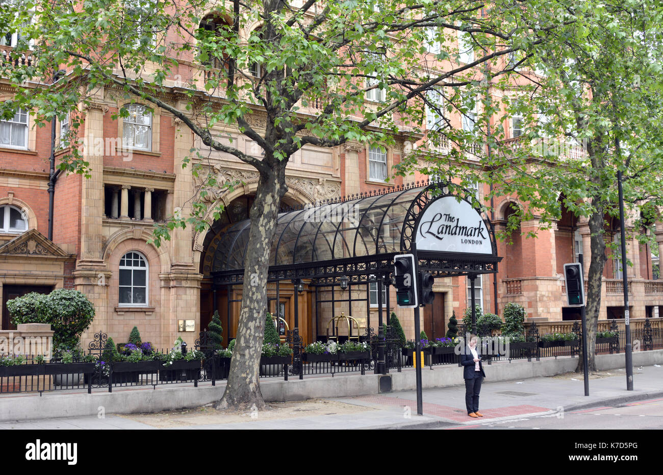 Photo Must Be Credited ©Alpha Press 066465 25/05/2016 The Landmark Hotel on Marylebone Road in London. - Stock Image
