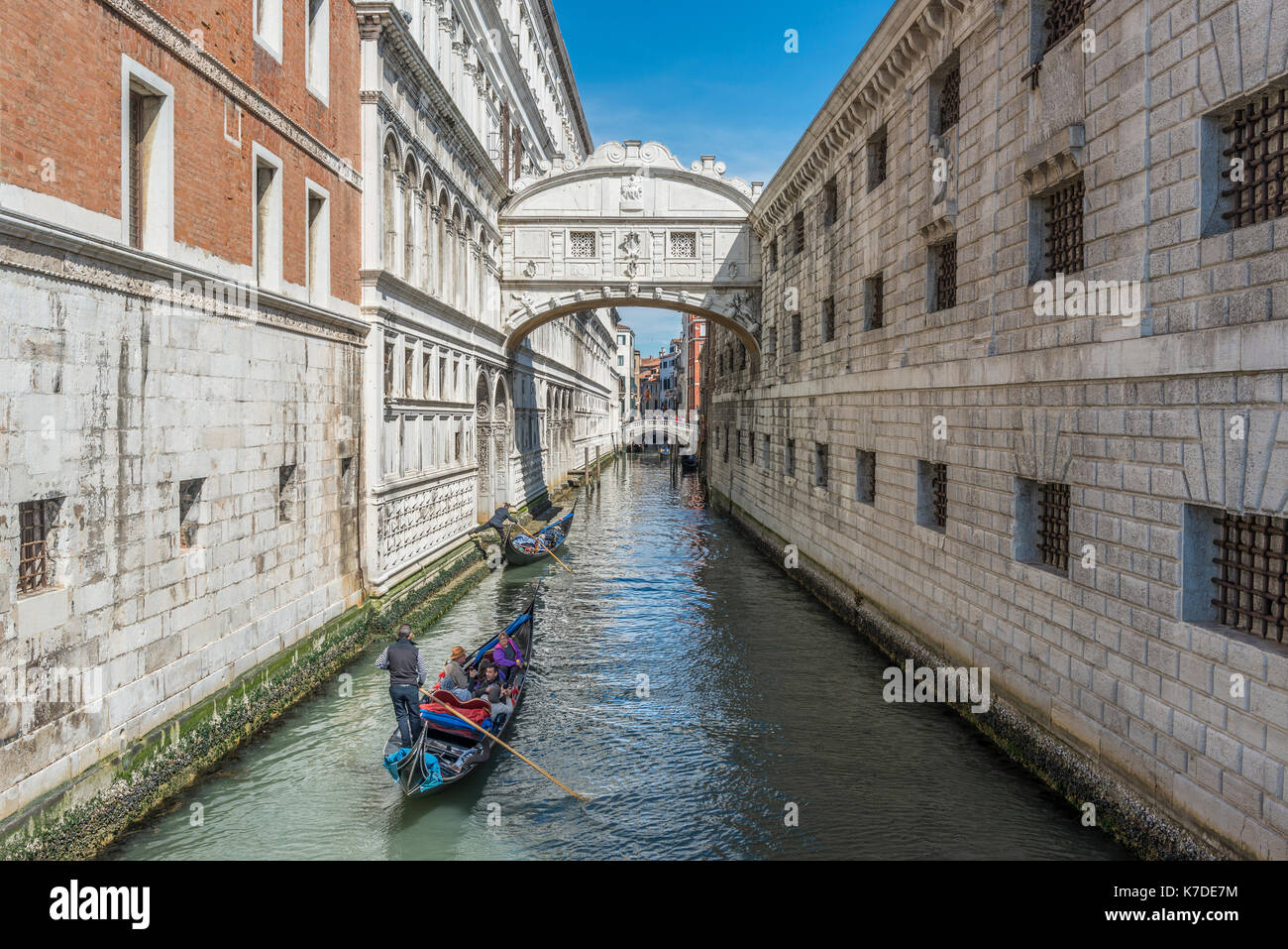 Bridge of Sighs over Canal Rio di Palazzo, left Doge's Palace, right Prison, Venice, Venice, Veneto, Italy - Stock Image