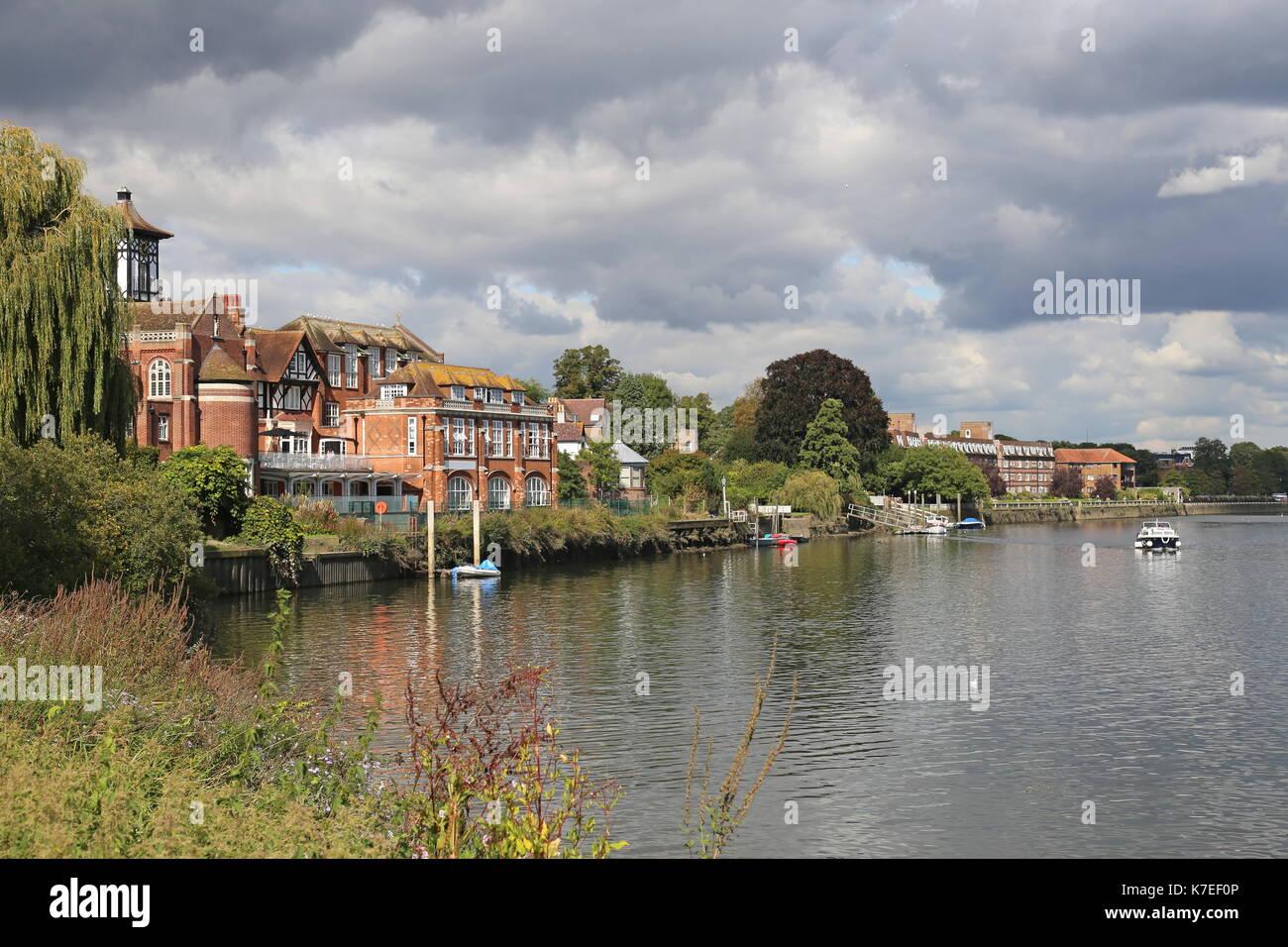 Radnor House School and Thames from Radnor Gardens, Twickenham, London Borough of Richmond upon Thames, England, Great Britain, United Kingdom, Europe - Stock Image
