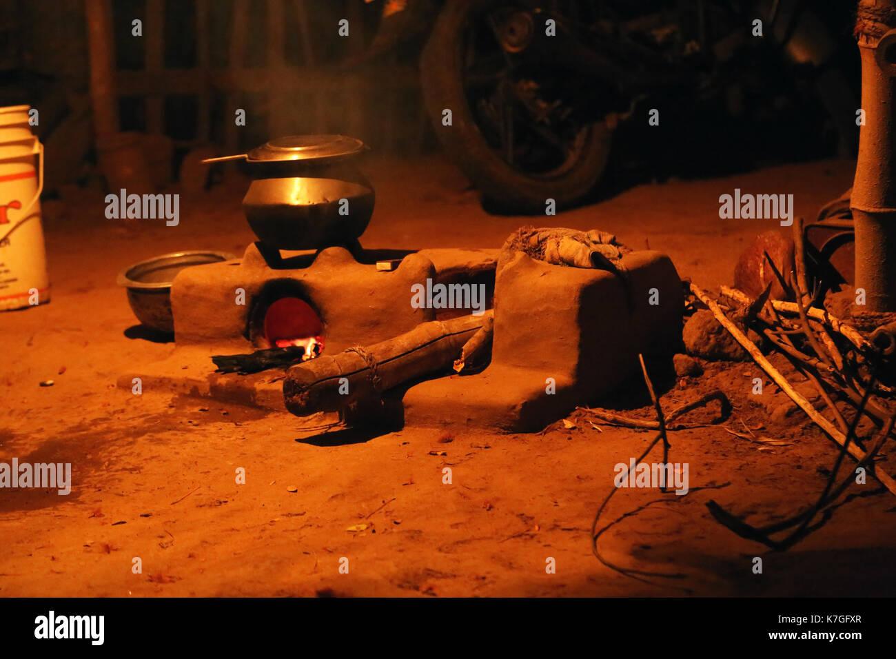 Alamy & Indian village modern kitchen Stock Photo: 159559647 - Alamy