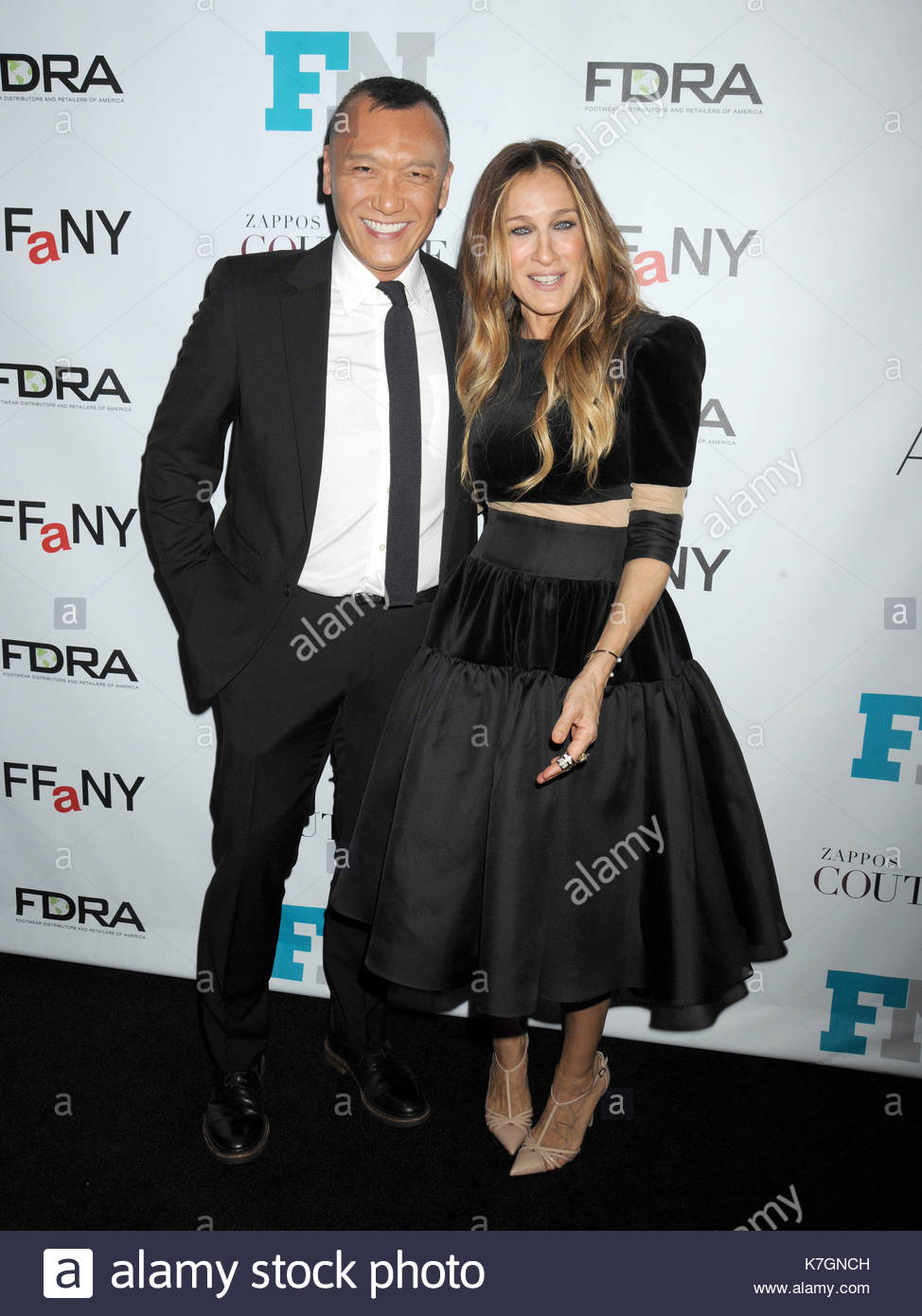 Joe zee and sarah jessica parker celebrity meet and greet at the celebrity meet and greet at the 28th annual footwear news achievement awards and hall of fame gala held at the iac headquarters building in nyc m4hsunfo
