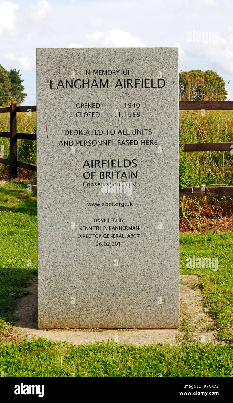 A memorial stone dedicated to all who served at Langham Airfield from 1940 to 1958 in North Norfolk at Langham, Norfolk, England, United Kingdom. - Stock Image