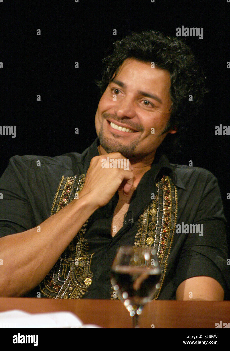 Chayanne Being Interviewed By Jaime Bayly On His Program On Mega Tv Stock Photo Alamy Volver a ser un niño. https www alamy com chayanne being interviewed by jaime bayly on his program on mega tv image159599857 html
