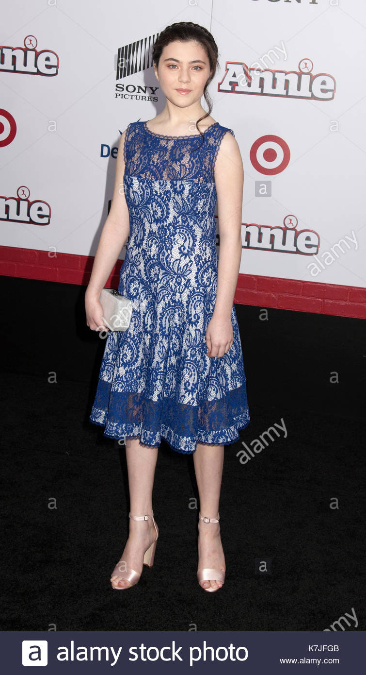 pictures Lilla Crawford