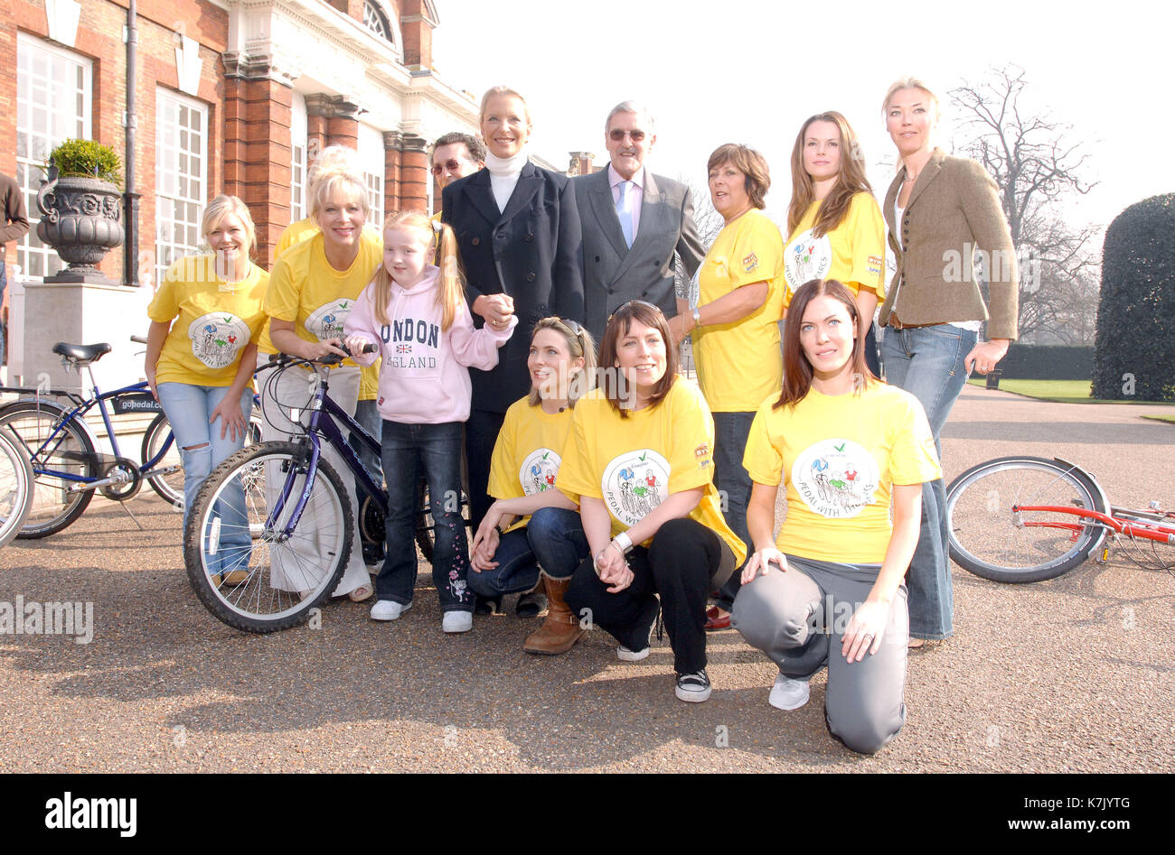 Photo must be credited ©Kate Green/Alpha 065341 27/03/2007 Suzanne Shaw, Denise Welch, Robert Powell, Princess Michael of Kent, Jimmy Hill, Lynda Bellingham, Amanda Holden, Tamara Beckwith, Lisa Rogers, Fay Ripley and Linzi Stoppard Pedal With The Parcs Photocall in aid of Sparks and The National Byway at The Orangery, Kensington Palace in London - Stock Image