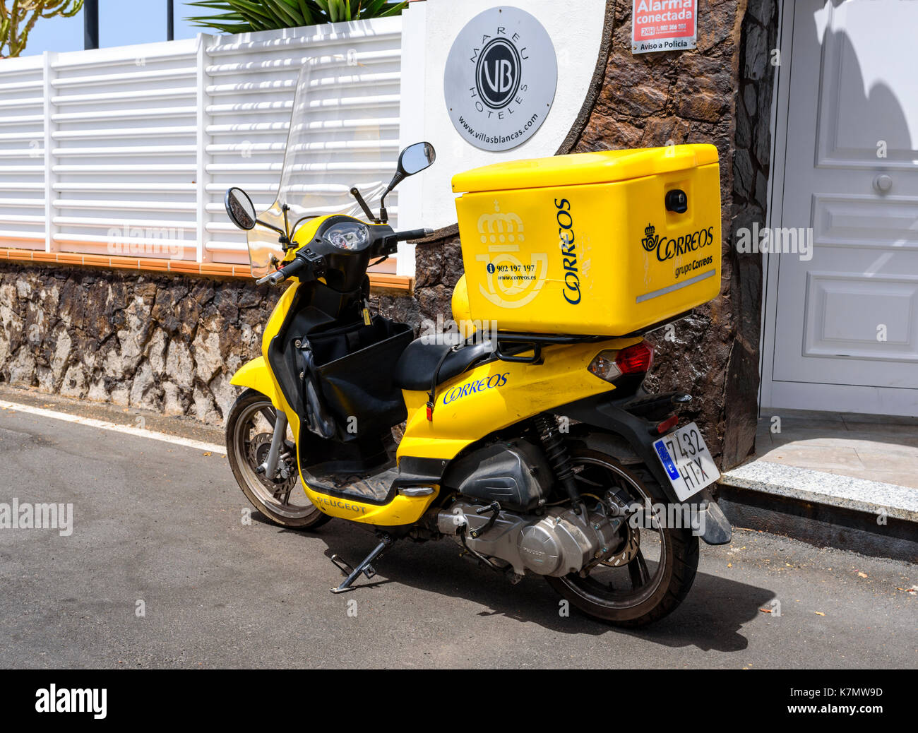 Bike belonging to Correos, the Spanish postal service on Gran Canaria, Spain - Stock Image