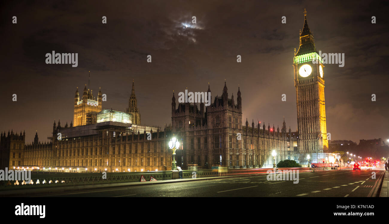 Palace of Westminster with Big Ben by night, Westminster Bridge, London, England, Great Britain - Stock Image