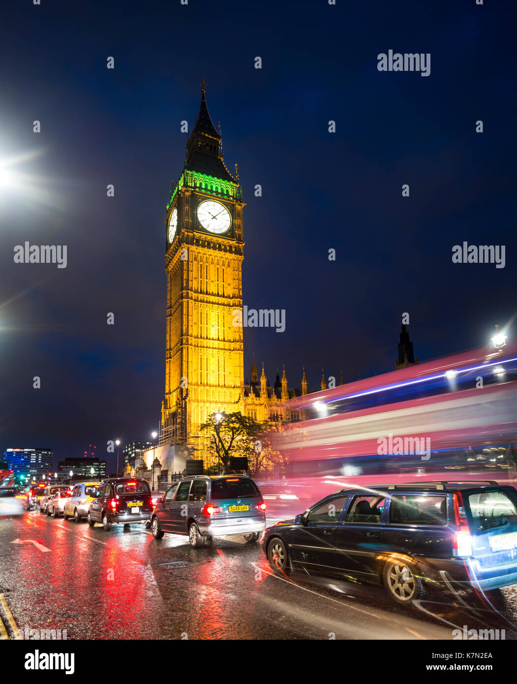 Big Ben, Houses of Parliament, Light Traces, Night Scene, City of Westminster, London, Region London, England, Great Britain - Stock Image