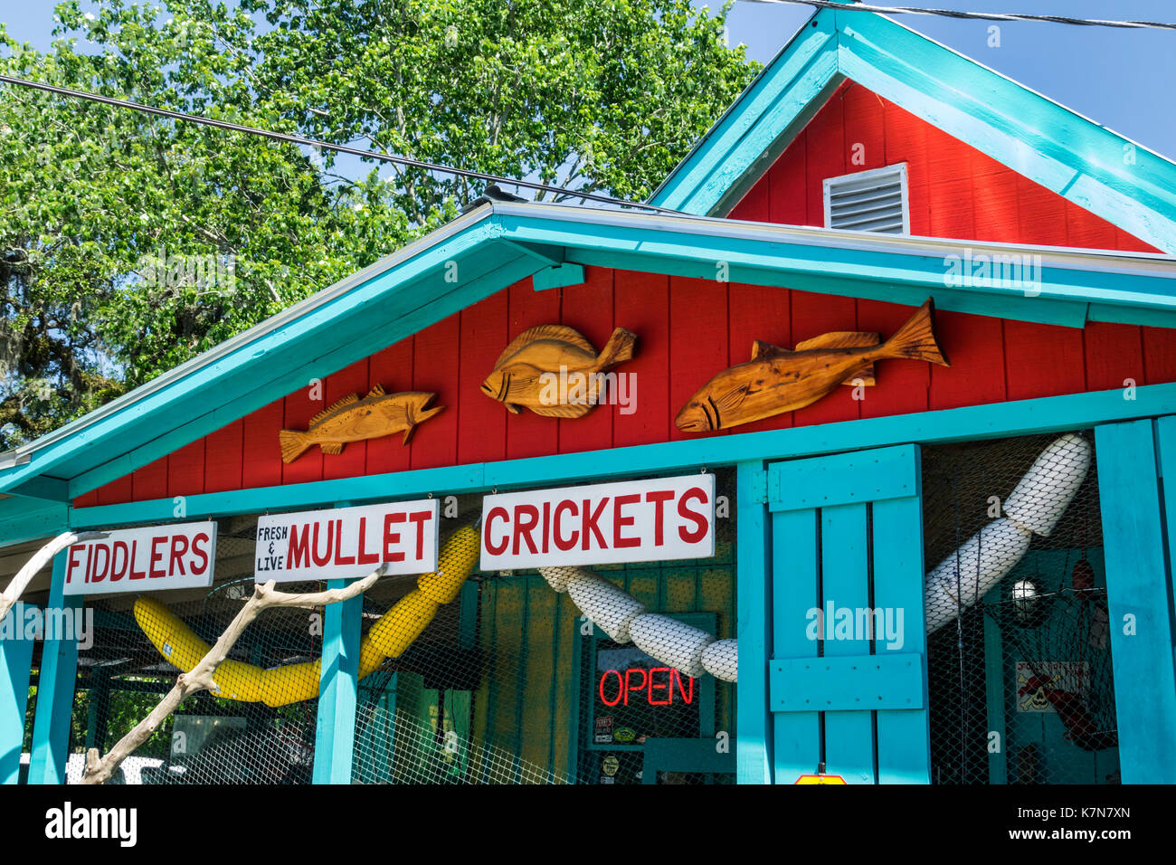 South Carolina SC Garden City Beach Perry's Bait & Tackle fishing store shopping exterior sign front mullet crickets fiddlers - Stock Image