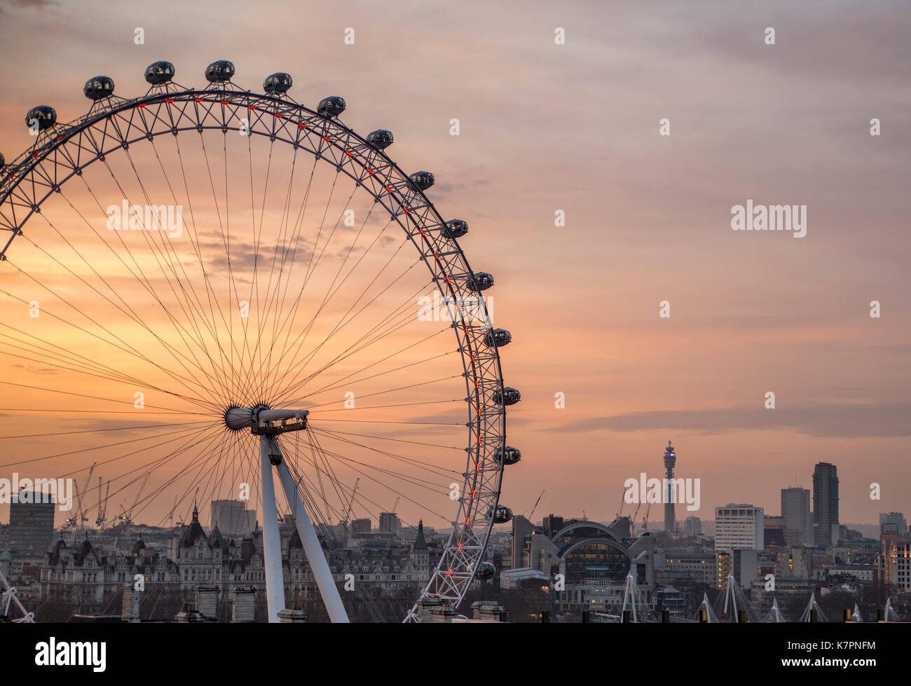 The London Eye, sunset. - Stock Image