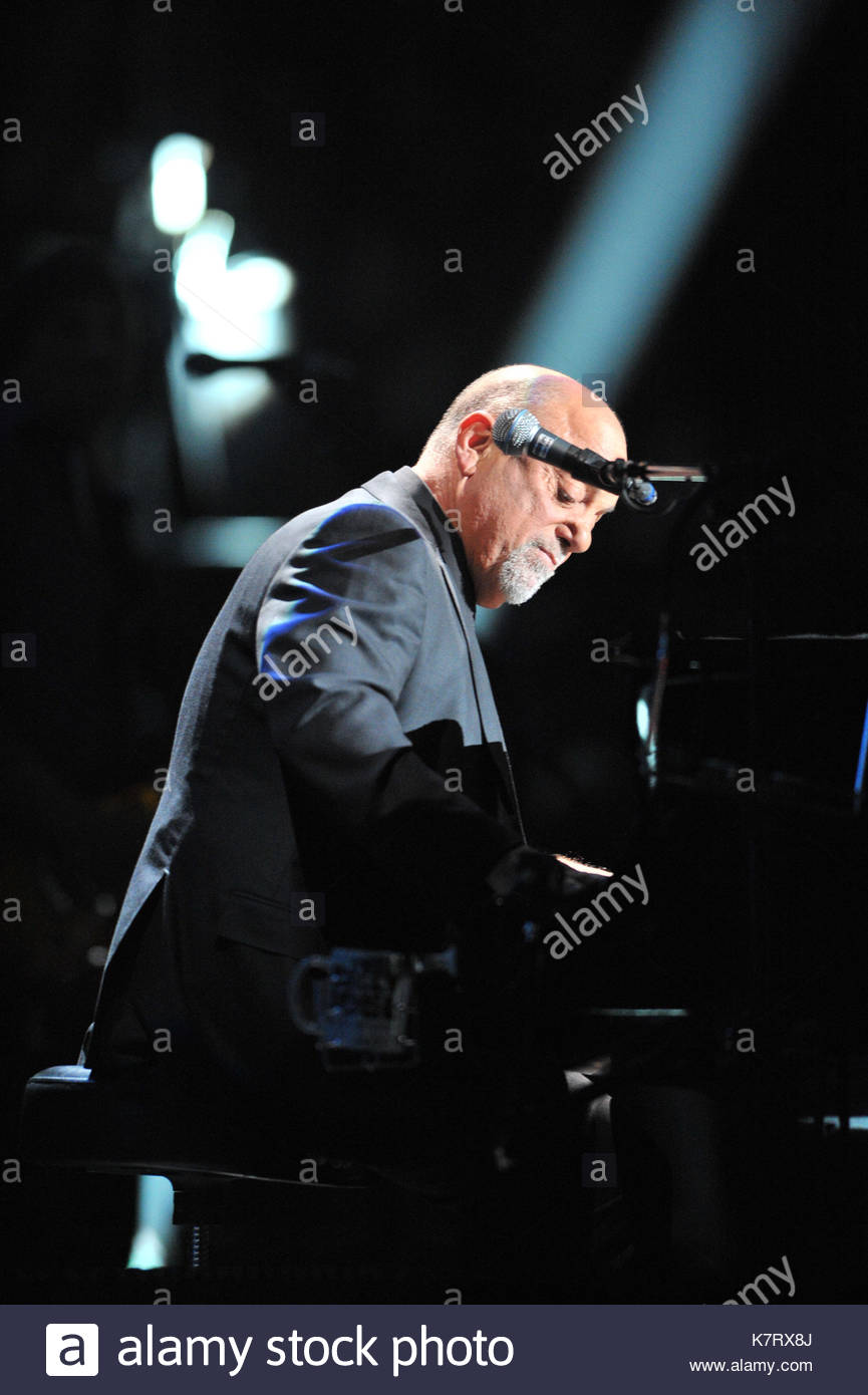 Billy Joel Sets Madison Square Garden Record   Billy Joel Performs The First