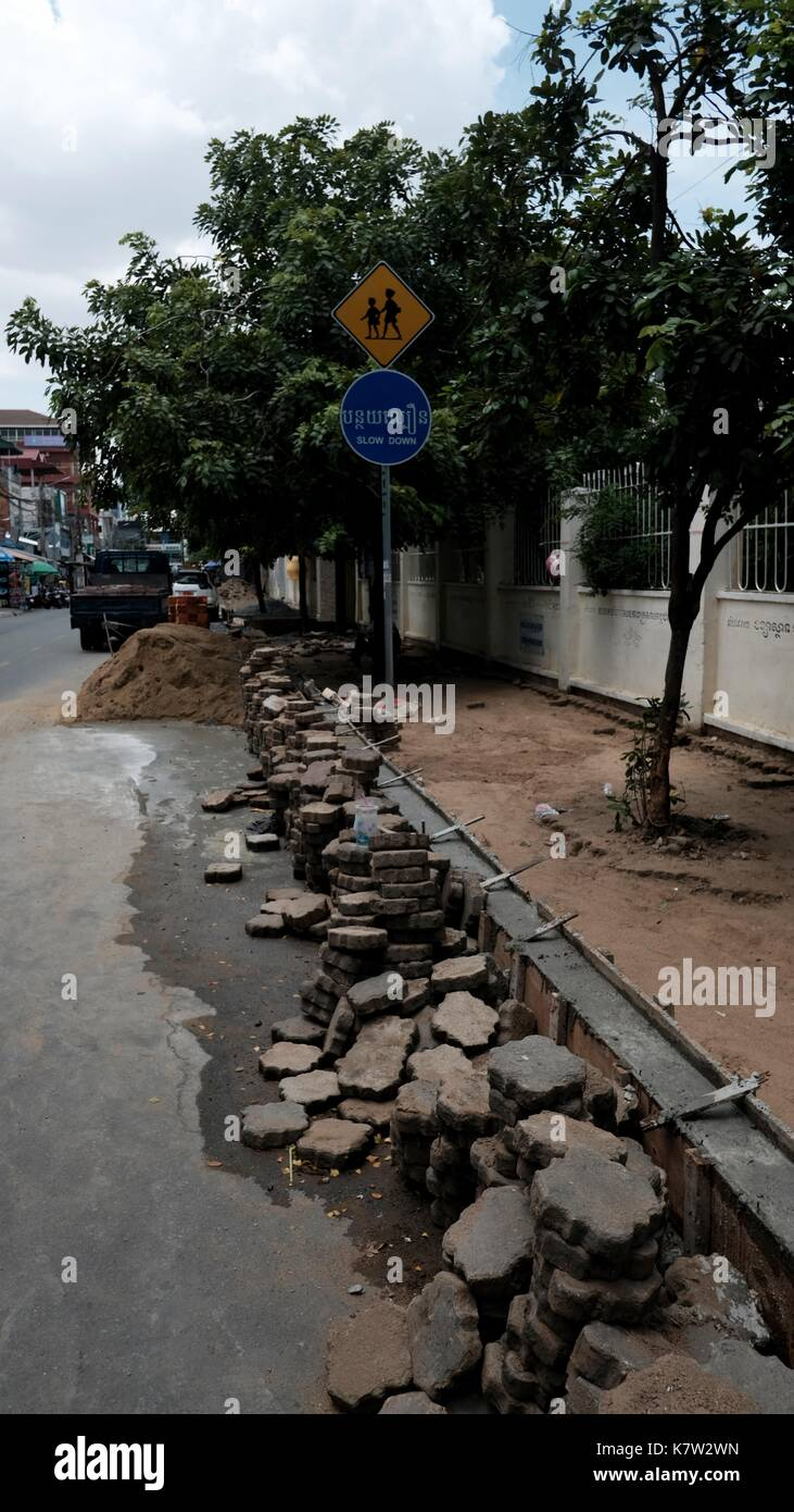 Sidewalks Pathways Pavements the Right to Walk Pedestrian Areas Phnom Penh Cambodia a Developing Country in South East Asia - Stock Image
