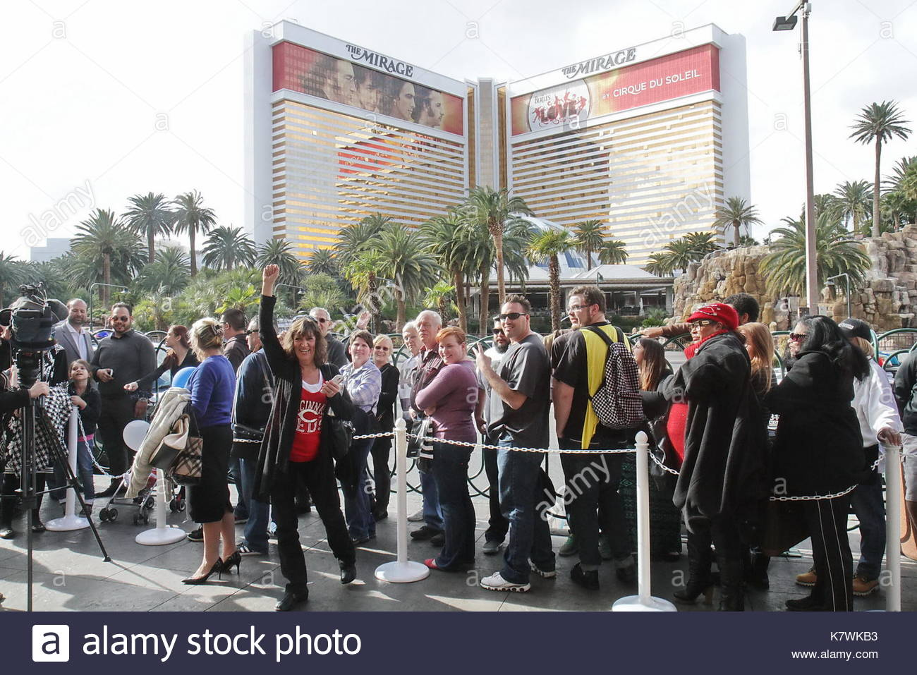 white castle opens in las vegas nevada on january 27 2015 in casino royale the smallest casino on las vegas strip first white castle to open in wefirst