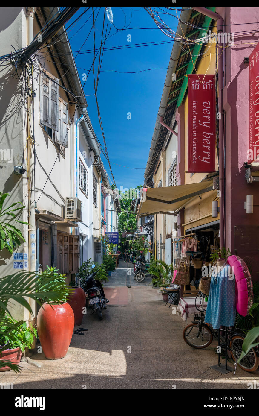 alley with tourist restaurants and bars in siem reap old town cambodia - Stock Image