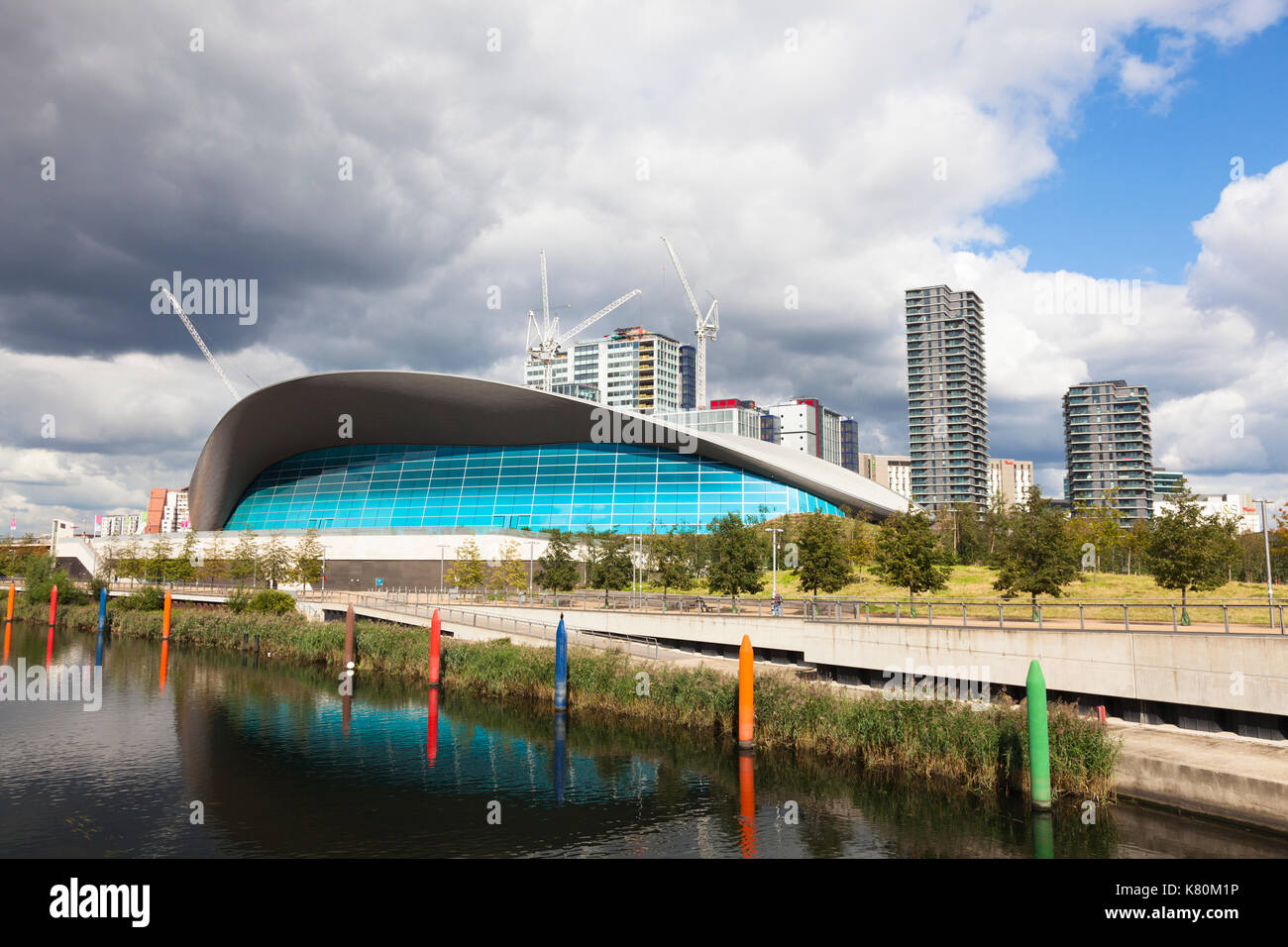 Olympic diving pool stock photos olympic diving pool - Queen elizabeth olympic park swimming pool ...