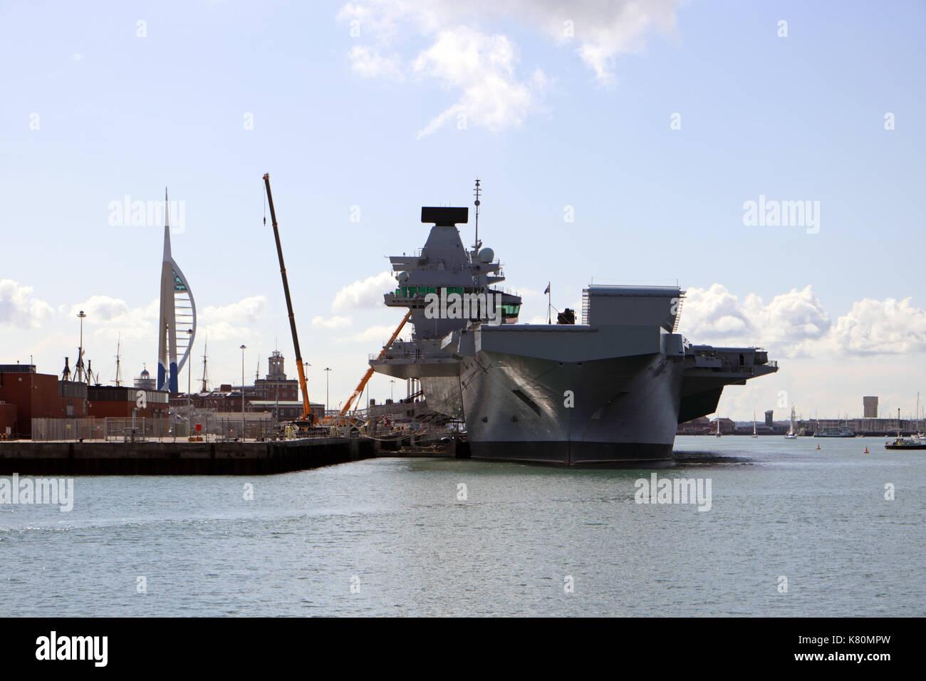 HMS Queen Elizabeth at Portsmouth Harbour - Stock Image