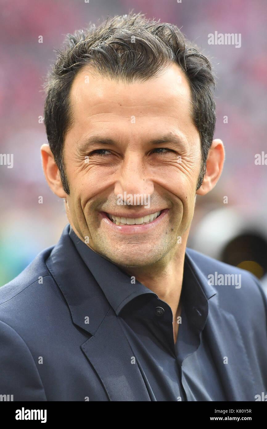 Muenchen, Deutschland. 16th Sep, 2017. Hasan SALIHAMIDZIC (Sportdirektor FC Bayern Munich), lacht, lachen, lachend, Stock Photo