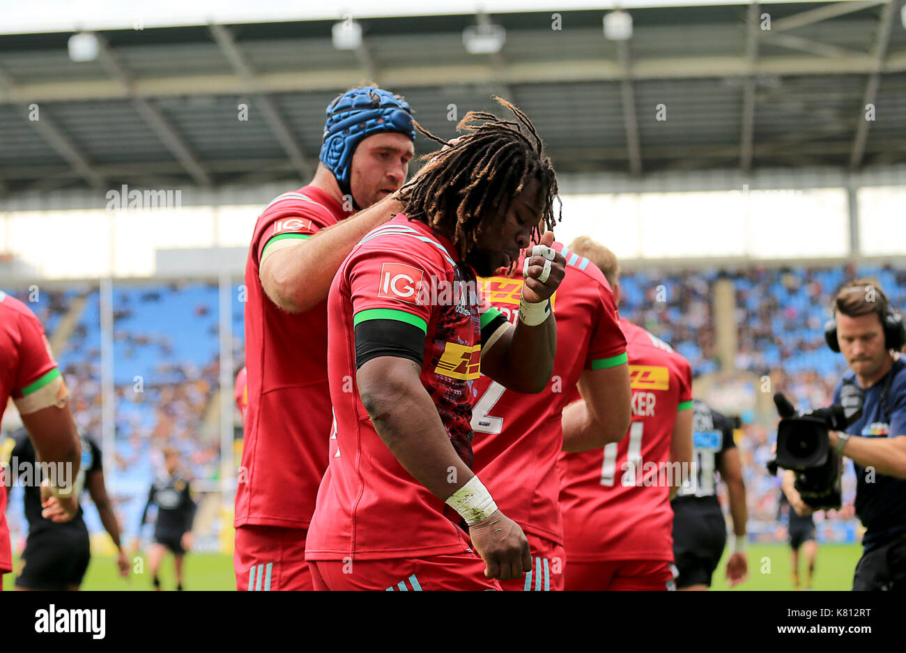 Harlequins Marland Yarde celebrates his TRY for wasps during the Aviva Premiership Rugby match between Wasps RFC v Harlequins F.C on Sunday 17th September 2017 at the Ricoh Arena, Coventry. Credit Leila Coker - Stock Image
