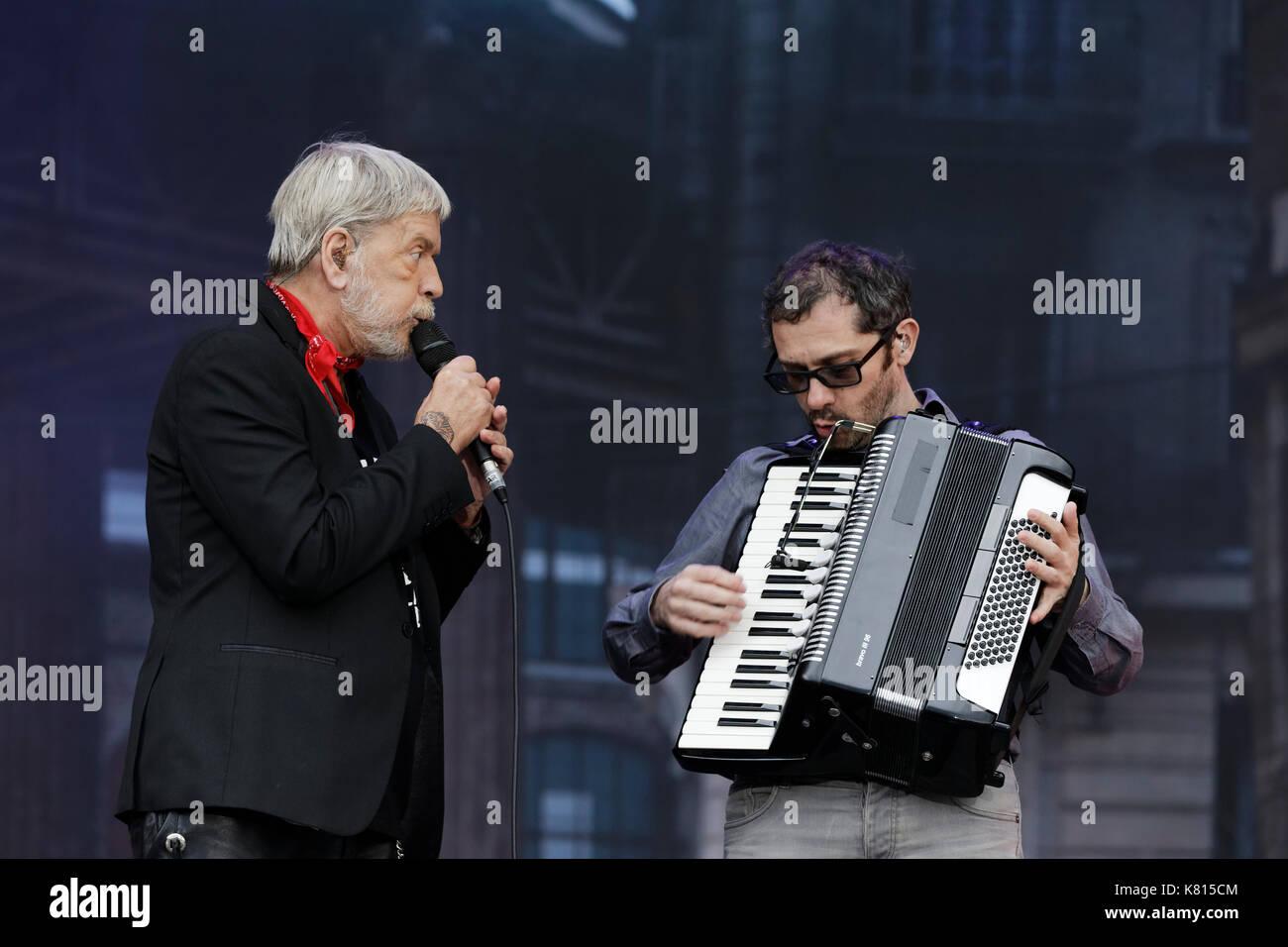 La Courneuve, France. 17th Sep, 2017. Renaud Sechan performs at the Fête de l'humanité, on September 17, 2017 in La Courneuve. Credit: Bernard Menigault/Alamy Live News - Stock Image