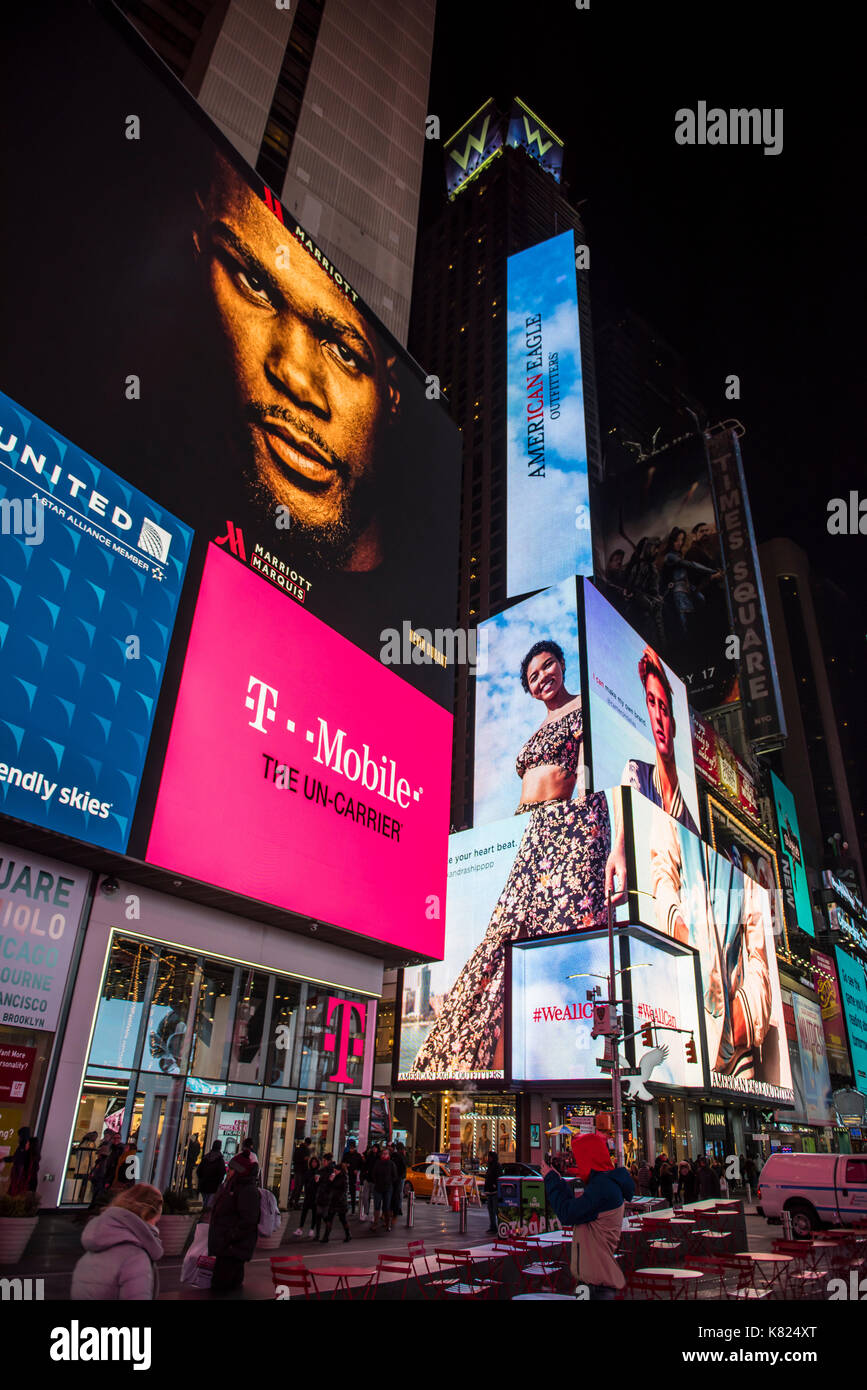 T Mobile Store Stock Photos & T Mobile Store Stock Images ...