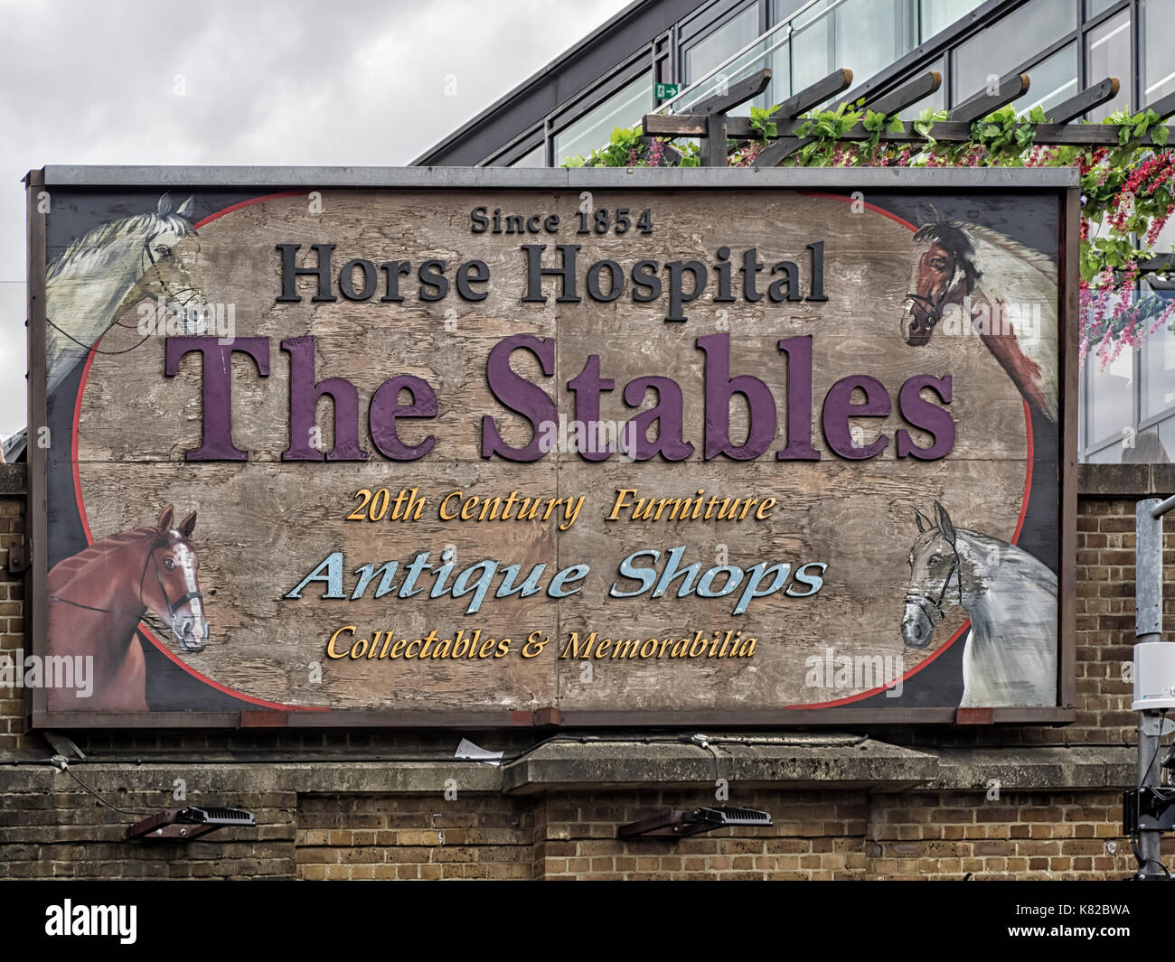 CAMDEN MARKET, LONDON: Sign at entrance to the Stables Market - Stock Image