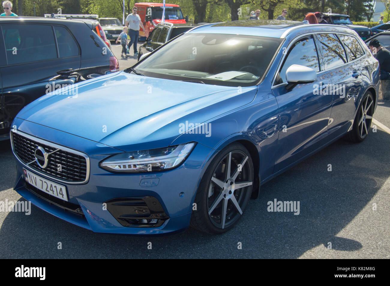 Bursting Blue Volvo V90 | Grenland Bilfestival 2017 - Stock Image