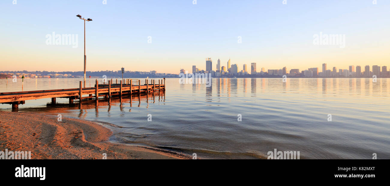 Coode Street Jetty and the Swan River in South Perth. - Stock Image