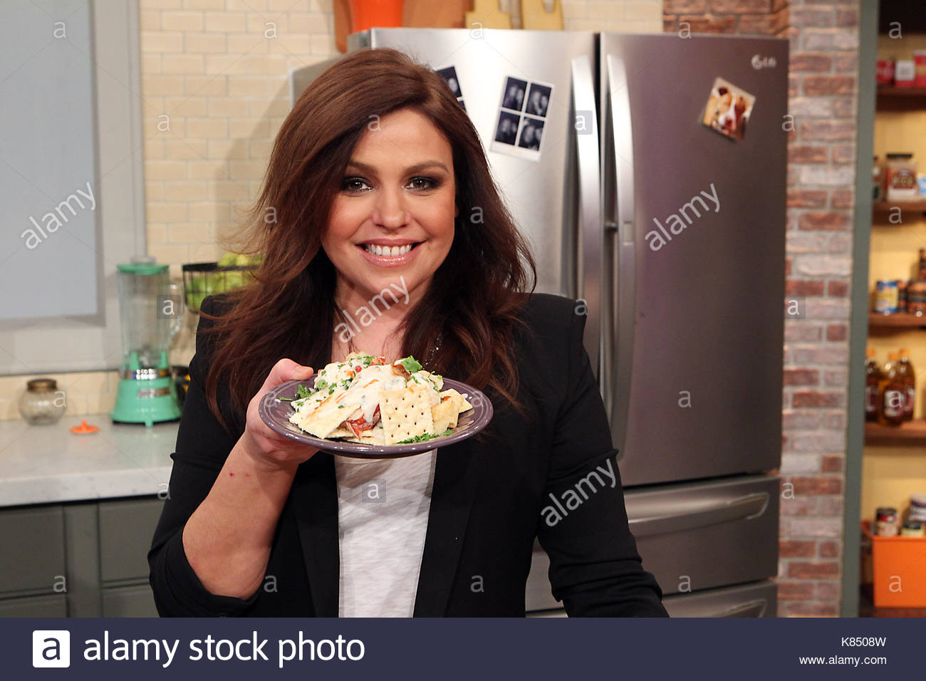 Rachael Ray brings her take on cooking to QVC with a unique collection of bright & bold cookware and bakeware. Her 30 Minute Meals show, best-selling cookbooks, award-winning magazine, and Emmy ® award-winning daytime talk show have all helped make her a household name.