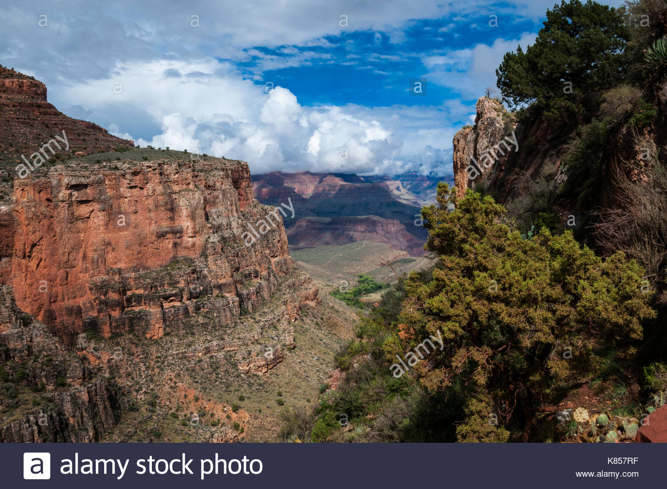 View on the Bright Angel Trail in autumn. Grand Canyon, Arizona, USA. - Stock Image