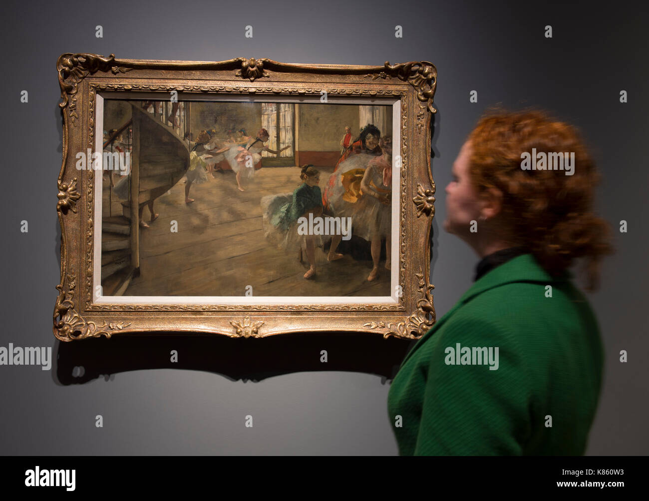 National Gallery, London, UK. 18th Sep, 2017. Degas artworks from the Burrell Collection in Glasgow go on display at the National Gallery from 20 September 2017 - 7 May 2018. Shipping magnate Sir William Burrell gifted his large collection of art, including one of the finest collections of Degas pastels in the world, to the City of Glasgow in 1944. Hilaire-Germain-Edgar Degas. The Rehearsal, about 1874. The Burrell Collection, Glasgow. Glasgow Museums Collection. Viewed by a member of Gallery staff. Credit: Malcolm Park/Alamy Live News. - Stock Image
