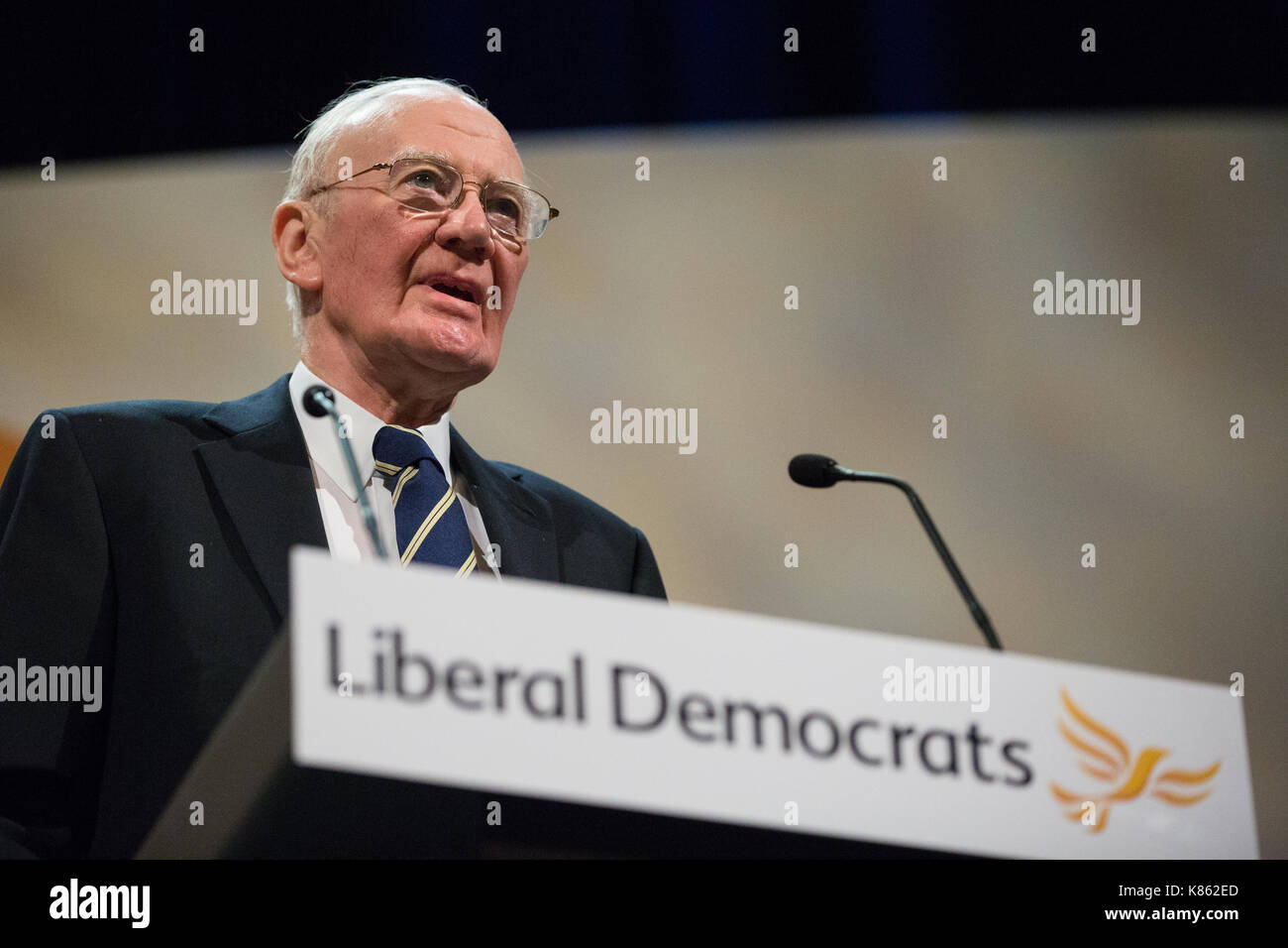 Bournemouth, UK. 17th Sep, 2017. Sir Menzies 'Ming' Campbell speaks during a debate on Liberal Democrat policy on the European Union during the Autumn Conference. Party members passed an amended motion retaining the party's policy of giving the public the final say on the final terms of Brexit in the form of an 'exit from Brexit' referendum and rejected a move to ignore the referendum result and back scrapping Article 50. Credit: Mark Kerrison/Alamy Live News - Stock Image