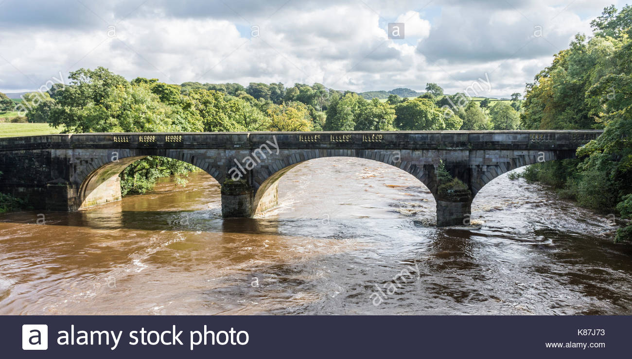 Stone bridge over the River Lune at the Crook of Lune near Lancaster - Stock Image