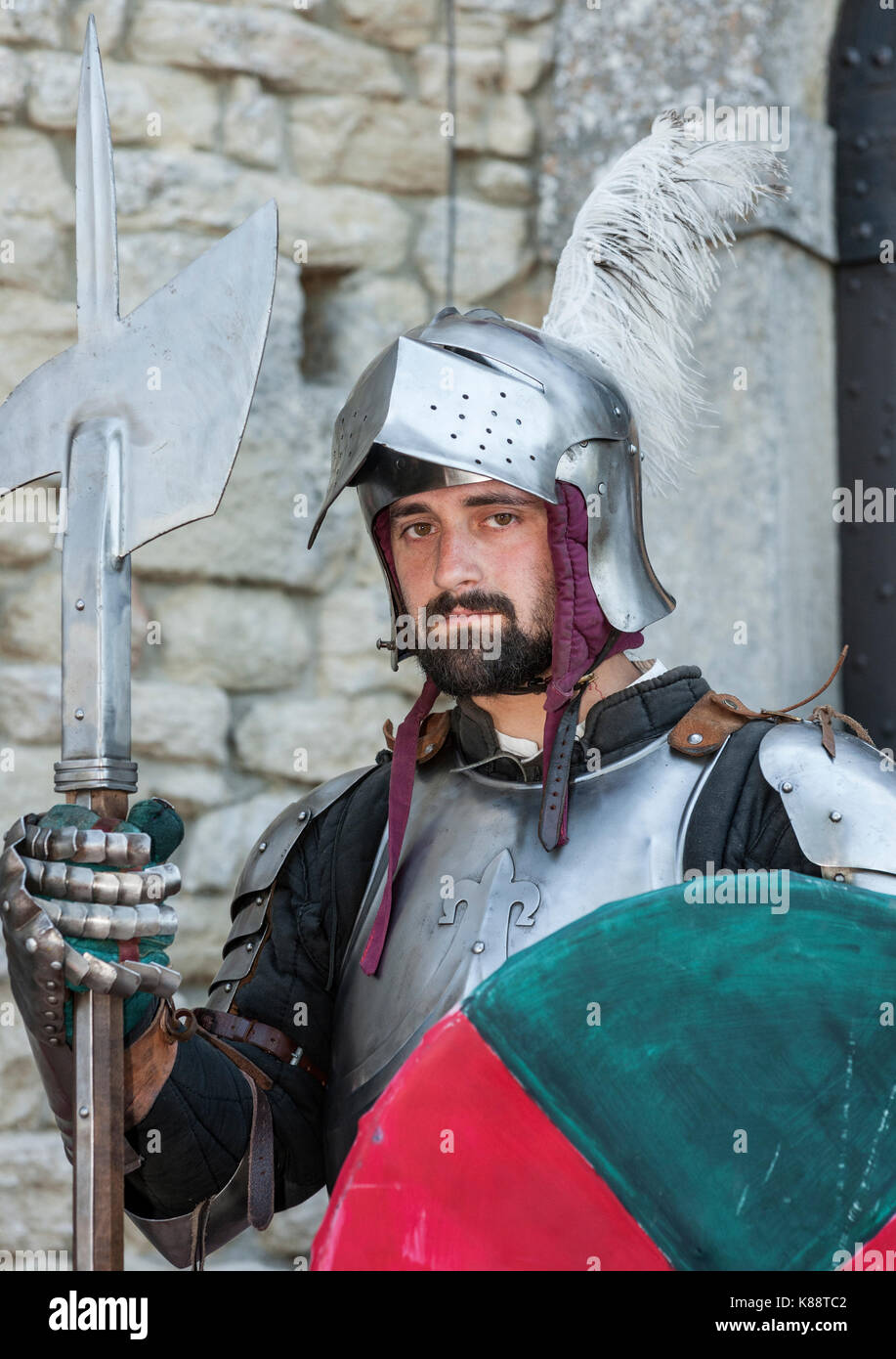 A Suit Of Armour Stock Photos & A Suit Of Armour Stock Images - Alamy