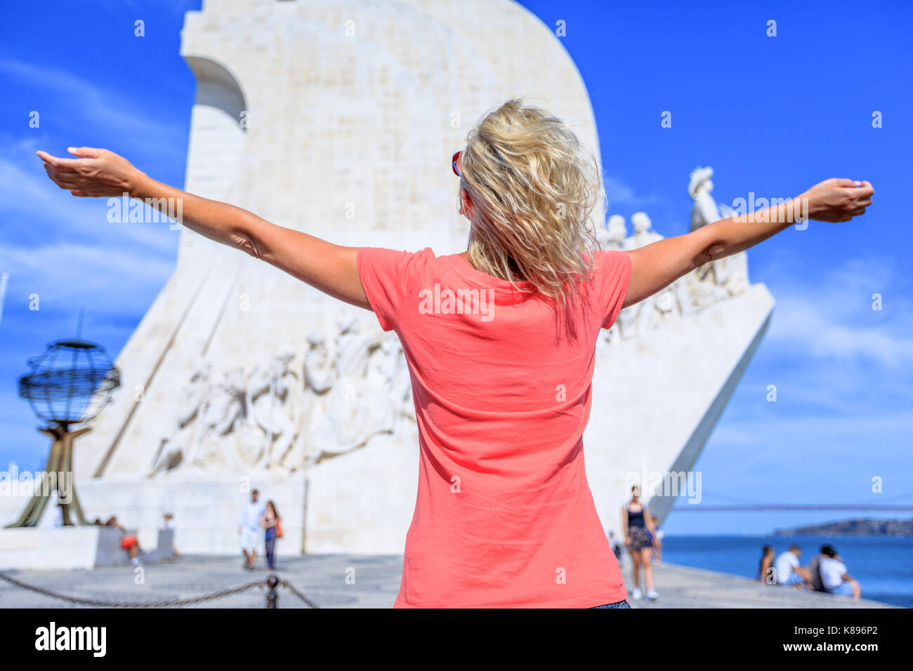 Discoveries Monument woman - Stock Image