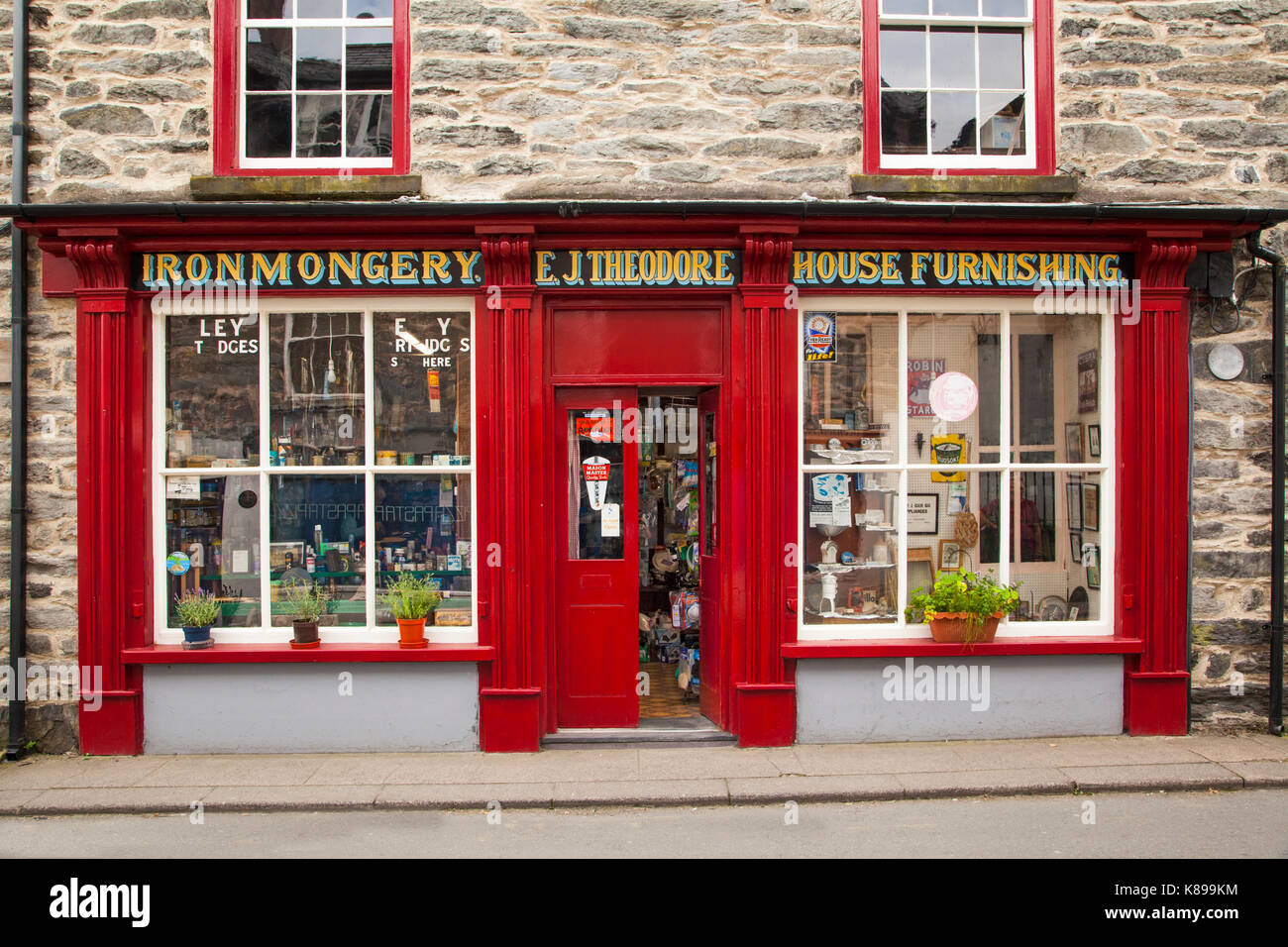 Traditional ironmongers and house furnishing shop in the town of Bala North Wales - Stock Image
