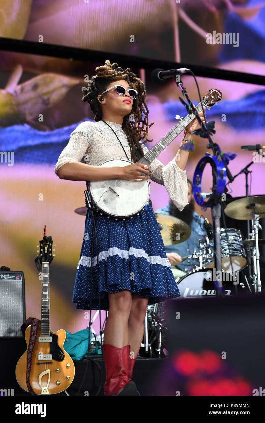 Burgettstown, PA, USA. 16th Sep, 2017. VALERIE JUNE rocks the crowd at FARM AID 2017 IN BURGETSTOWN, PA. on 16 SEPTEMBER - Stock Image