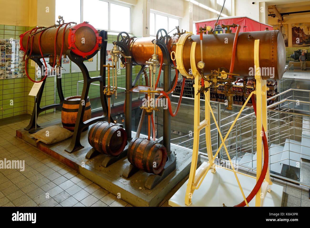 Route der Industriekultur, Isobarometer, Fassfueller mit Druckkessel und Armaturen im Brauereimuseum in Dortmund, - Stock Image