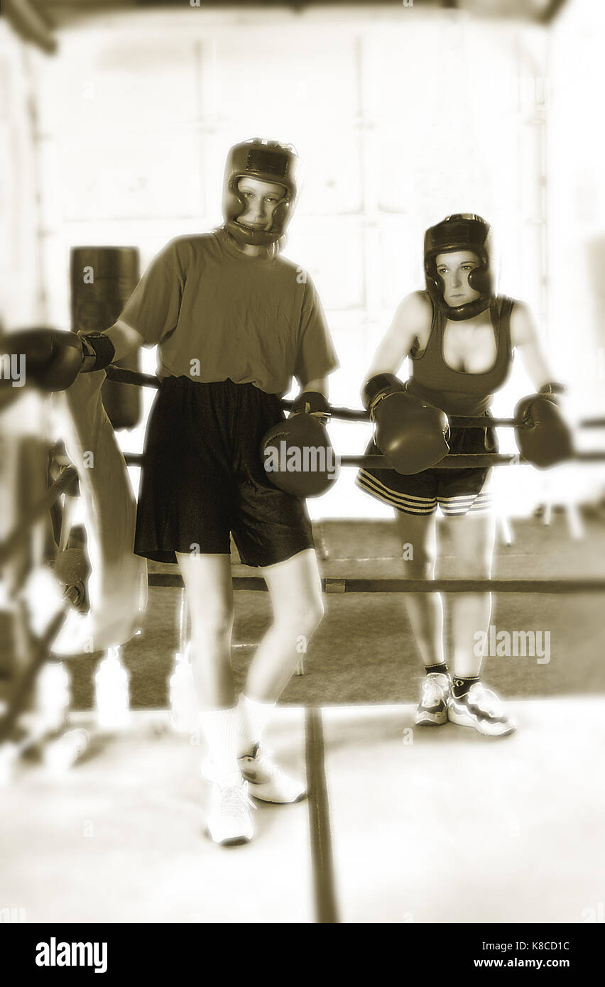 Women boxers in Boulder, CO gym - Stock Image