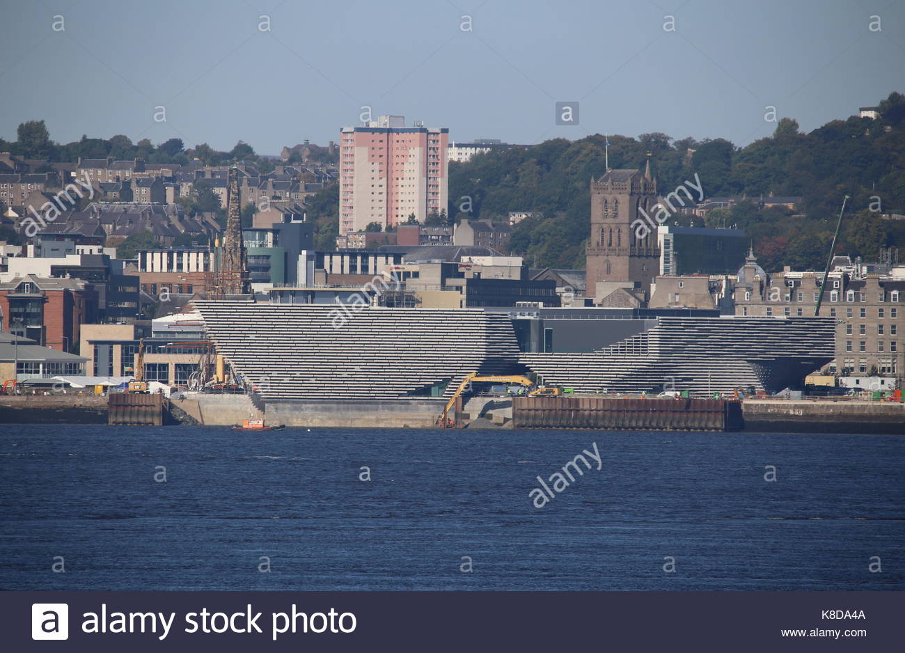 Cofferdam removal at V & A Design Museum construction site Dundee Scotland  19th September 2017 - Stock Image