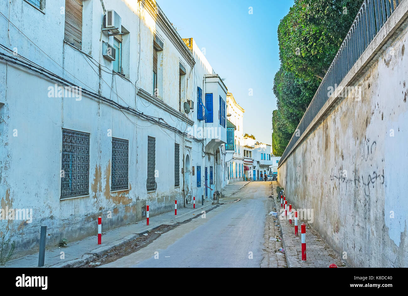 The Bab Menara boulevard is the border, separating medina and a newer neighborhoods of the city, Tunis, Tunisia. - Stock Image