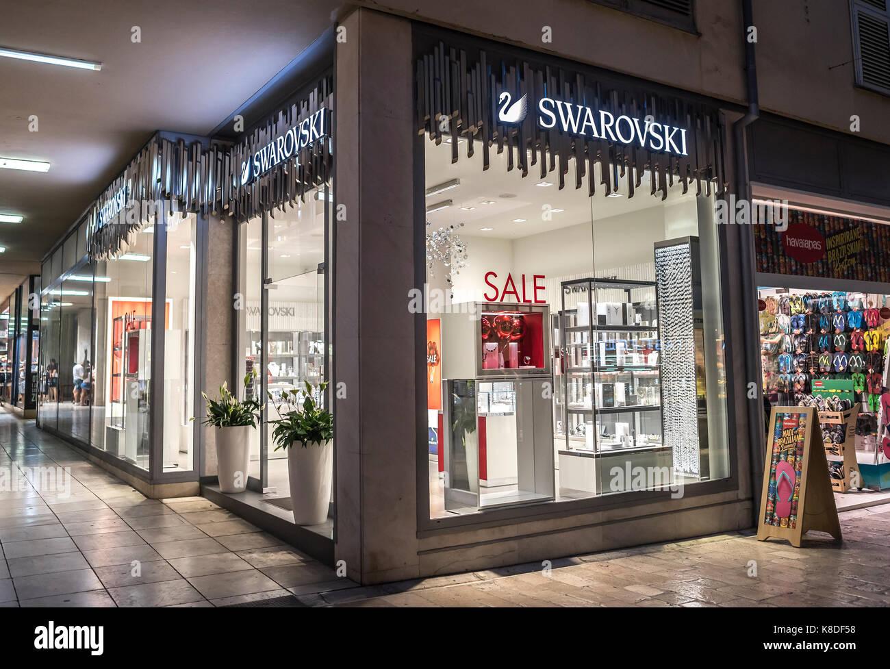 29af364a4 Swarovski Shop Stock Photos   Swarovski Shop Stock Images - Page 2 ...